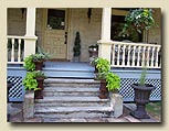 Photo of front steps at Minden hotel